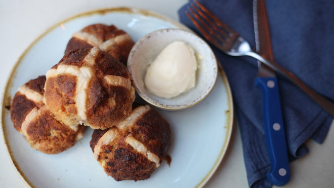 Hot Cross Buns from Two Hands