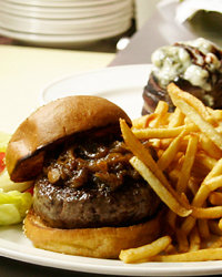 Food & Wine: Andrew Zimmern's Picks: Six Perfect Burgers