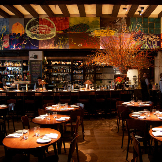 Jesse tyler ferguson is studying foodie culture at for Best valentines restaurants nyc