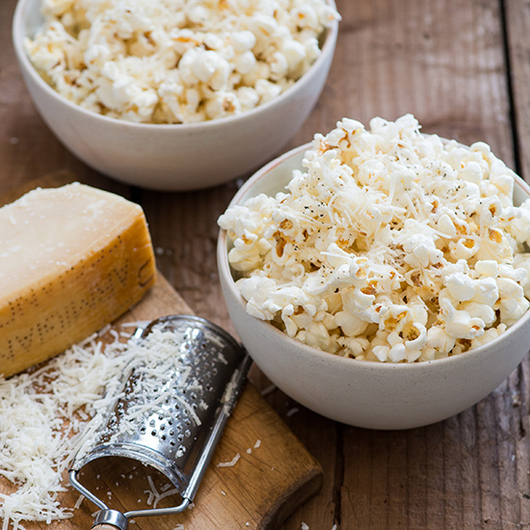 Food & Wine: 7 Ways to Eat Popcorn While Watching the Oscars