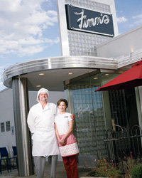 Food & Wine: Finn Gurholt and his niece Heidi at their '40s-style-diner.