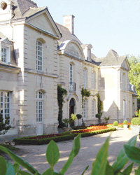 Food & Wine: The Loire's grand Manoir de Restigné is the place for duck with Parmesan cream.