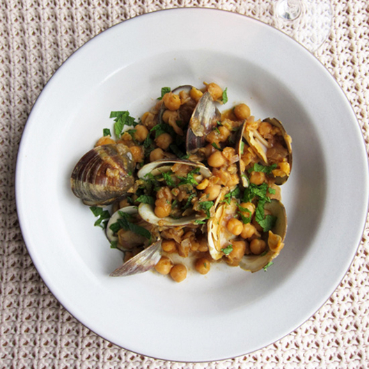 Food & Wine: Spicy Clams with Rosé