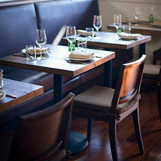 Food & Wine: The Minimalist New Hot Chair in Restaurants