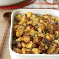 Food & Wine: Bacon, Onion and Rye Bread Stuffing