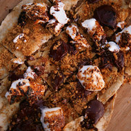 Food & Wine: S'mores Pizzas