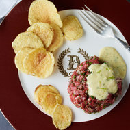 Food & Wine: Tartare Delmonico with Béarnaise Sauce