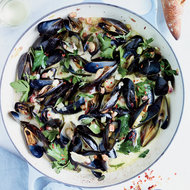 Food & Wine: Mussels with Pancetta and Crème Fraîche