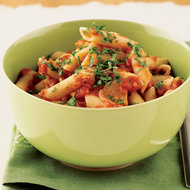 Food & Wine: Pennette with Spicy Tomato Sauce