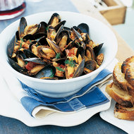 Food & Wine: Mussels in Tomato Sauce with Sausage