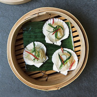 Food & Wine: Steamed Scallops with Garlic