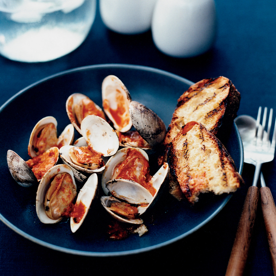 Pop-Open Clams with Horseradish-Tabasco Sauce