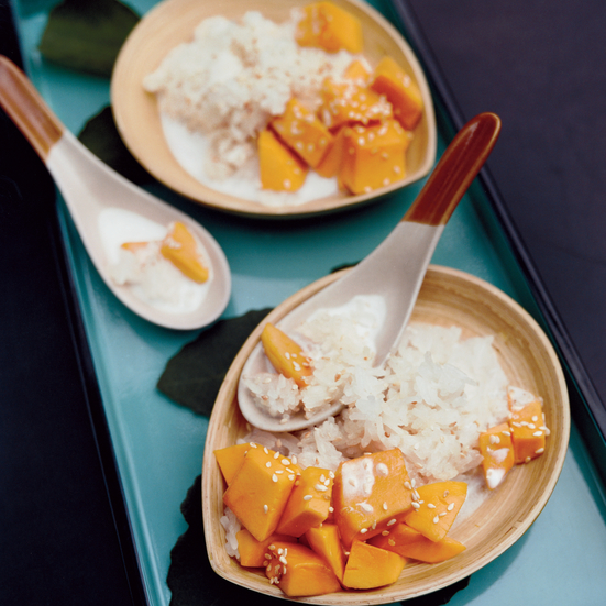Sweet Sticky Rice with Mangoes and Sesame Seeds