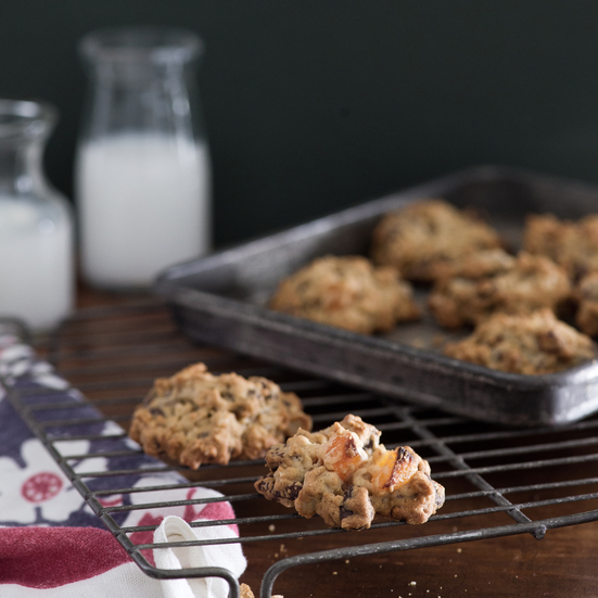 Granola Cookies with Chocolate Chips