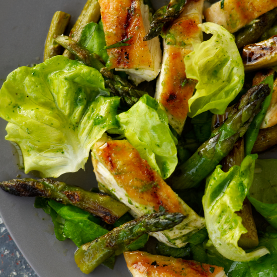 Grilled-Chicken-and-Asparagus Salad with Parsley Pesto