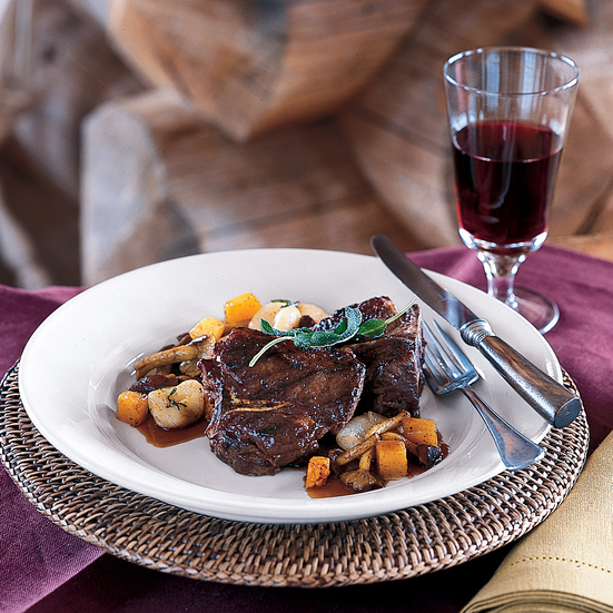 Grilled Lamb Chops with Red Wine Pan Sauce