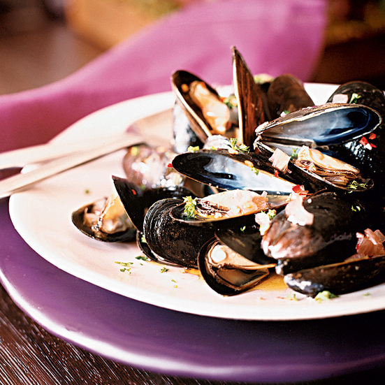 Rosé-Steamed Mussels