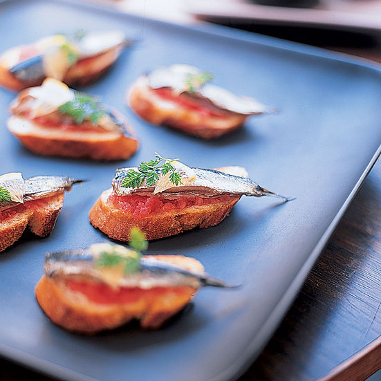 Sardines with Garlic Bread and Tomatoes