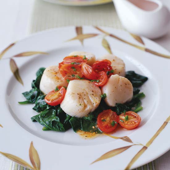 Sea Scallops with Spinach and Grape Tomatoes