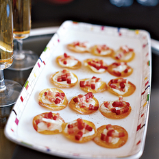 Food & Wine: Mini Tartes Flambées