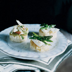 Food & Wine: Asparagus-and-Ricotta Toasts