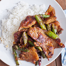 Food & Wine: Pork and Asparagus with Chile-Garlic Sauce