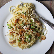 Food & Wine: Chicken and Broccoli Spaghetti