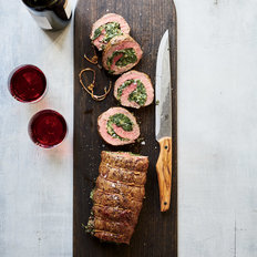 mkgalleryamp; Wine: Creamed Spinach–Stuffed Filet Roast