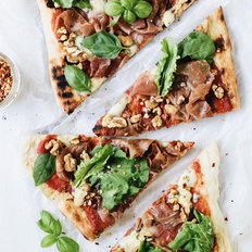 Food & Wine: Grilled Pizza with Prosciutto, Blue Cheese and Walnuts