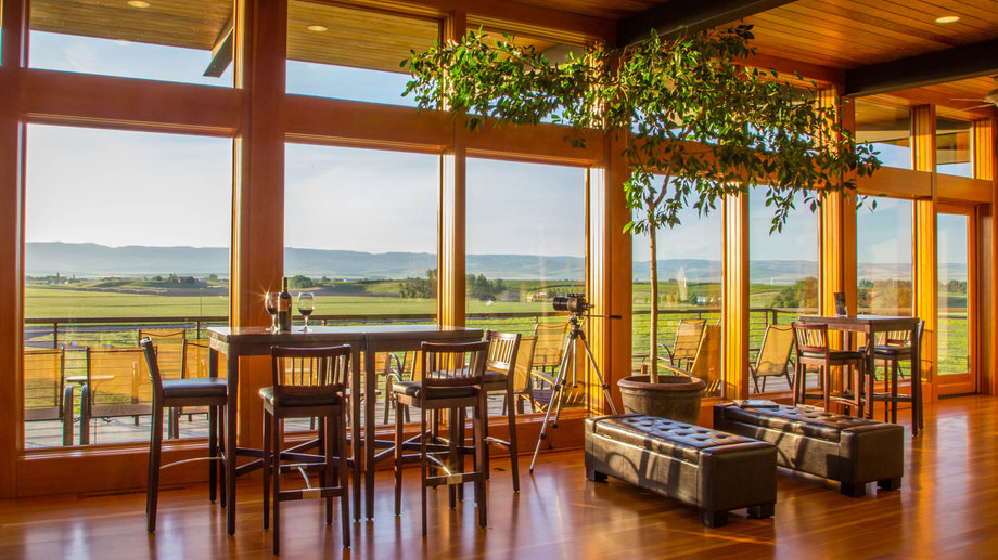 Food & Wine: 23 Wineries to Visit in Washington and Oregon