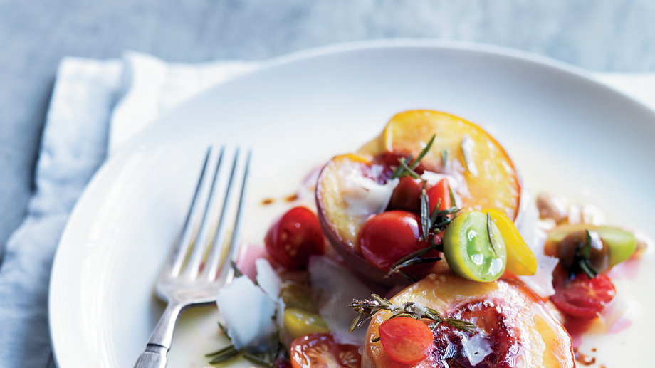 Food & Wine: 5 Reasons Peaches and Tomatoes are the Ultimate Summer Pairing