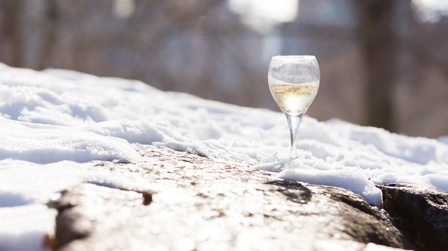 Food & Wine: Are You Drinking Your White Wine Too Cold?