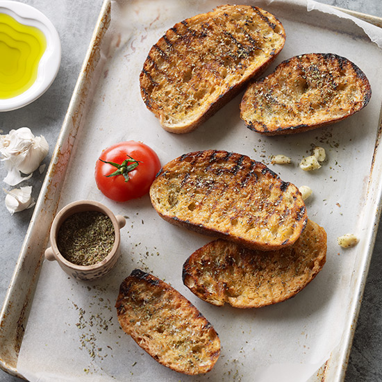 Toasted Bread with Olive Oil, Garlic and Herbs Recipe ...