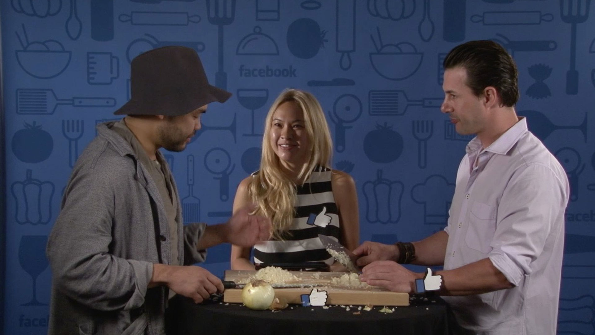 Chefs Johnny Iuzzini and Paul Qui Take a Facebook Onion Challenge