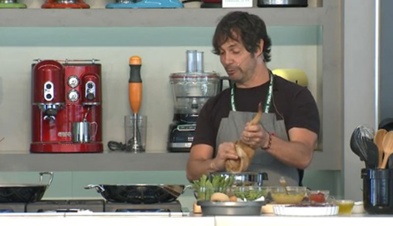 How to Make Paella with Ken Oringer and Jamie Bissonnette