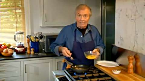 Jacques Pépin: A Classic Omelet