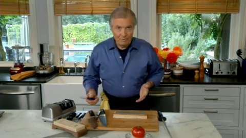 Jacques Pépin: Sharpening a Knife