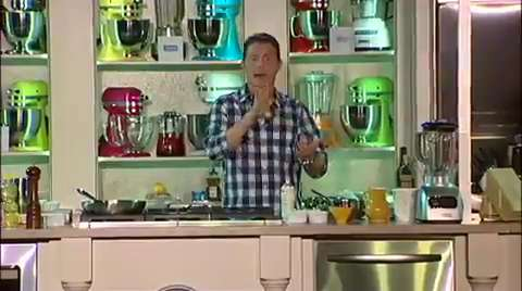 Bobby Flay: Peach Crêpes with Bourbon and Pecans