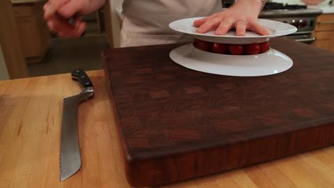 How to Cut Cherry Tomatoes with Two Plates