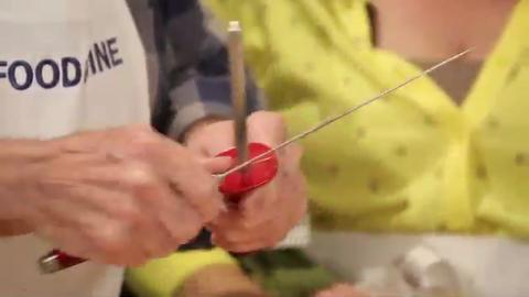 Jacques & Claudine Pépin: 3 Ways to Sharpen a Knife