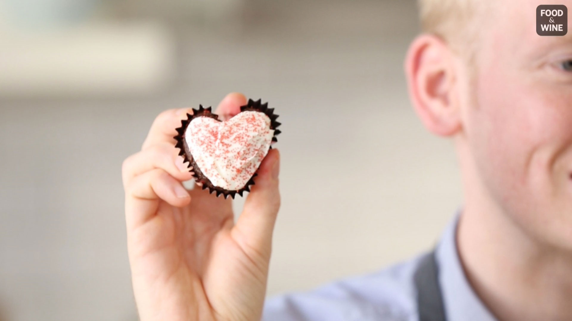 How to Make Heart-Shaped Cupcakes